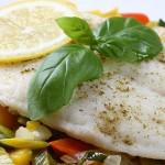 Pescada no forno com legumes (+ 12 meses)